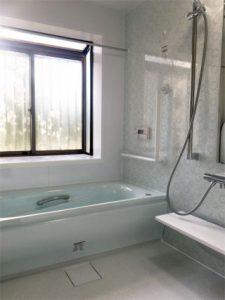 ご高齢のお母様のために浴室を新調